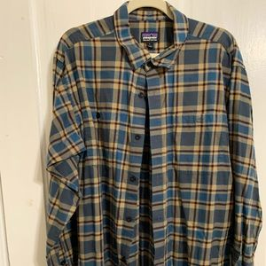 Patagonia flannel long sleeve button down
